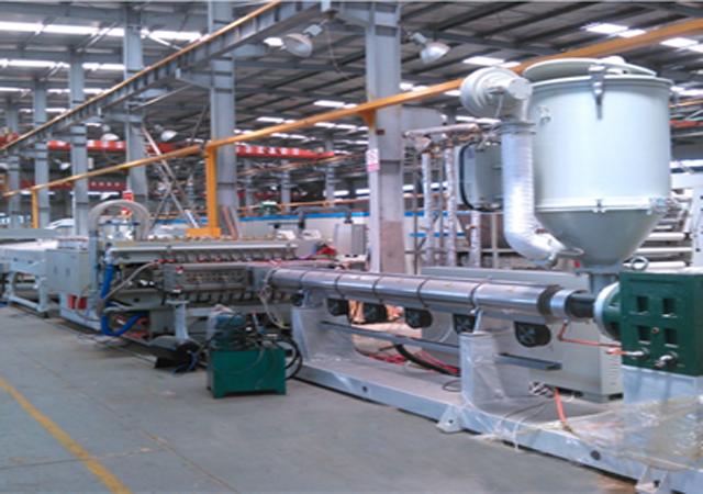 PP中空板生产线