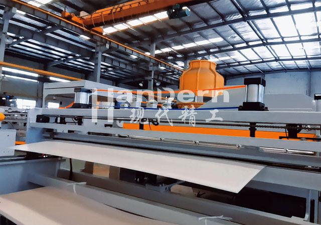薄型中空板生产线